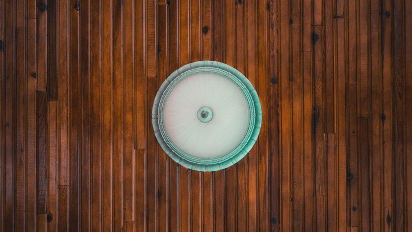 Jak dobrać płytki drewnopodobne do paneli?